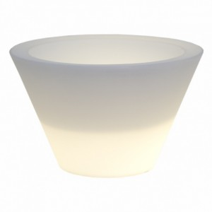 Xpot Lamp-Cantoni modern outdoor furniture-setting the stage for the 4th of July and all summer long