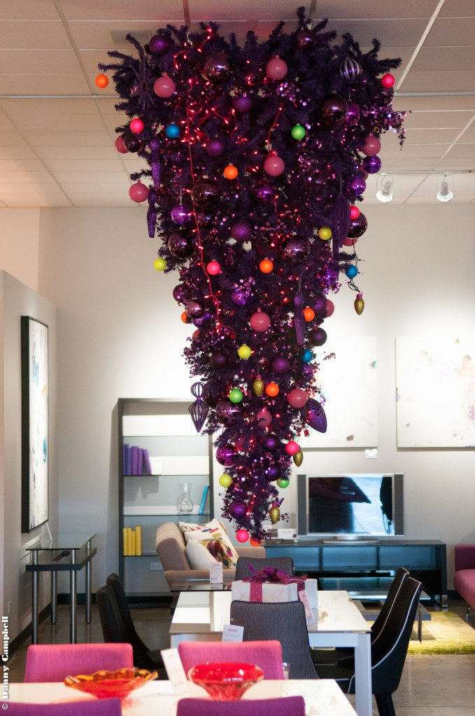 Upside Down Christmas Tree Tradition.Holidaze Throwback Tricked Out Trees From Christmas Past