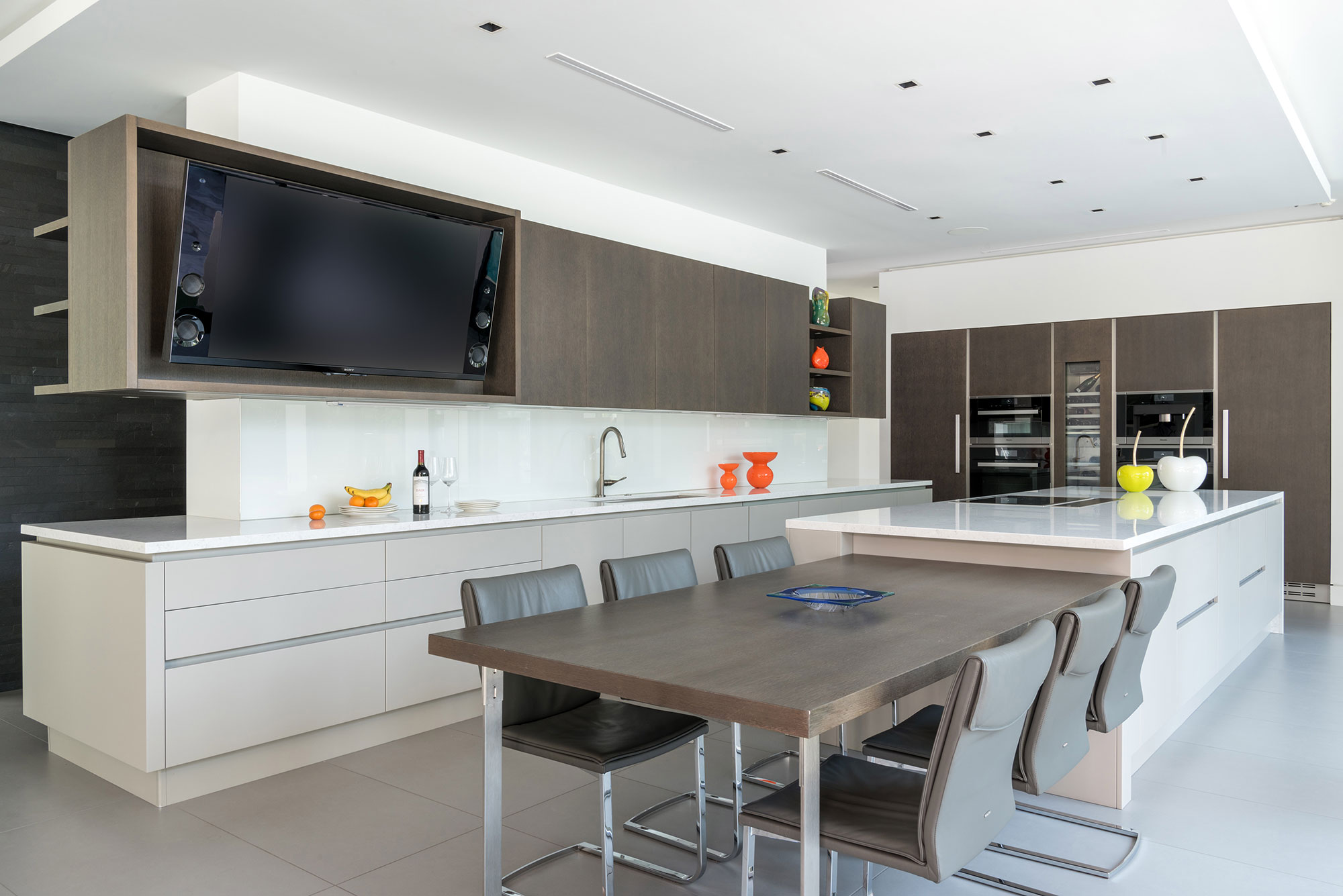 A Modern Smart House, Cantoni Houston